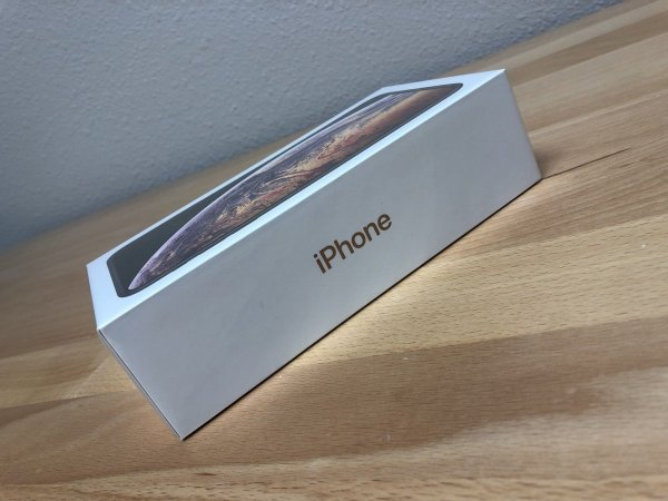 FOR SALE:Brand New Unlocked Apple iPhone
